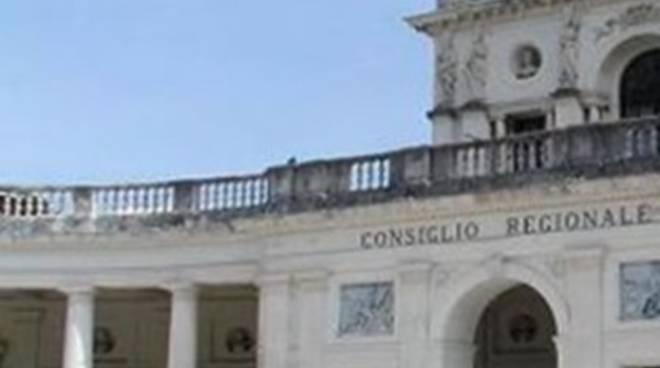 Consiglio Abruzzo, bocciata risoluzione su poli attrazione