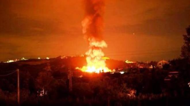Discarica a fuoco nel Chietino, l'Arta cambia versione