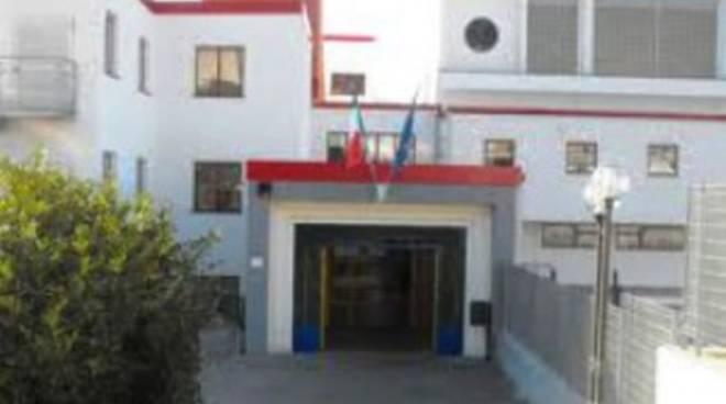 Docenti Liceo Cotugno aderiscono a blocco scrutini