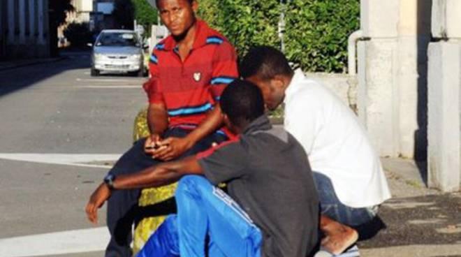 Emergenza migranti in Abruzzo, il sindaco di Fagnano scende in campo