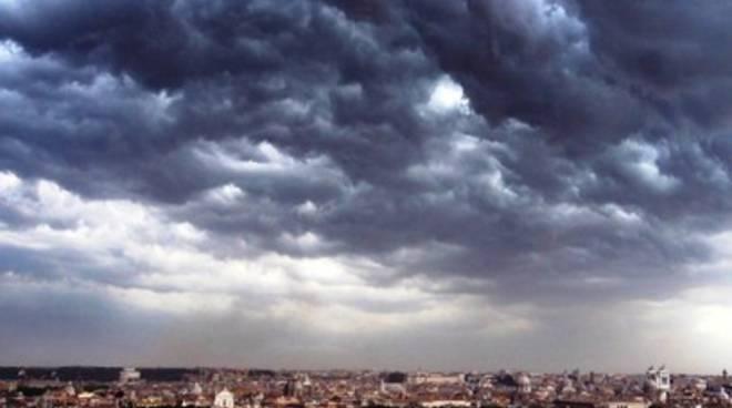 Meteo: rovesci e vento forte sull'Abruzzo