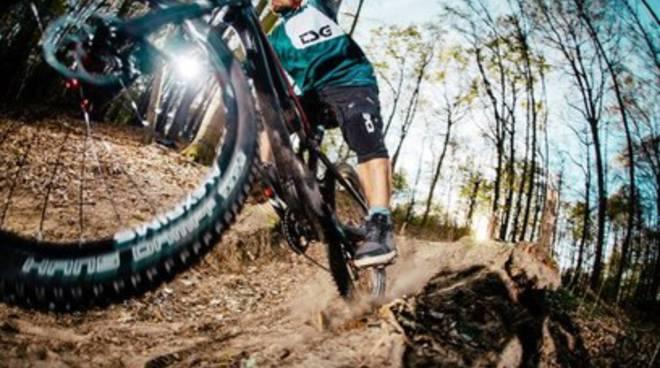MTB 4 hours x 2 bikers a L'Aquila, viabilità 'ribaltata'