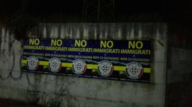 'No immigrati a Ripa di Fagnano', striscioni di CasaPound