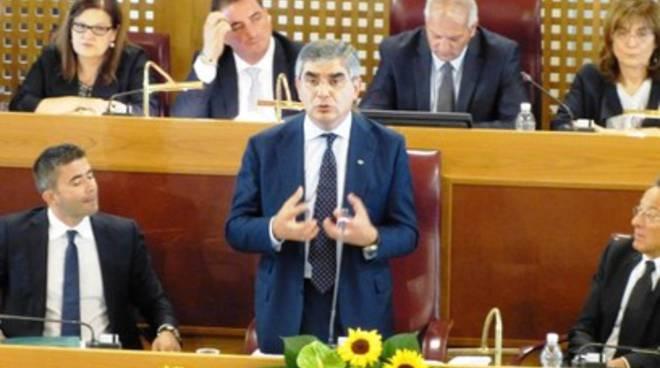 «Tensioni in Maggioranza», Idv chiede a D'Alfonso incontro coalizione