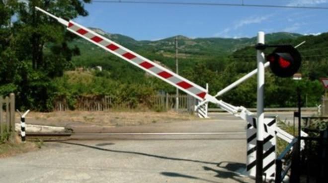 Terni-L'Aquila, un passaggio a livello rallenta la corsa