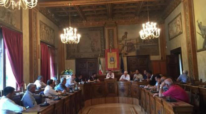 Adunanza sindaci marsica: 'Asl unica, no a campanilismi'