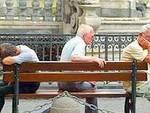Afa a L'Aquila, volontari aiutano anziani