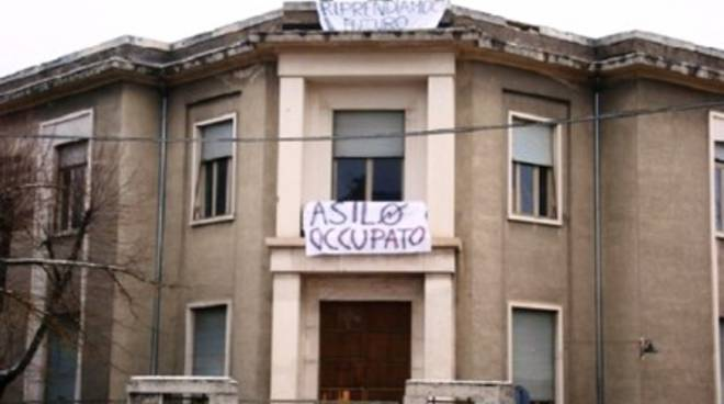Asilo occupato, Club Forza Silvio: «Sgombero e riqualificazione»