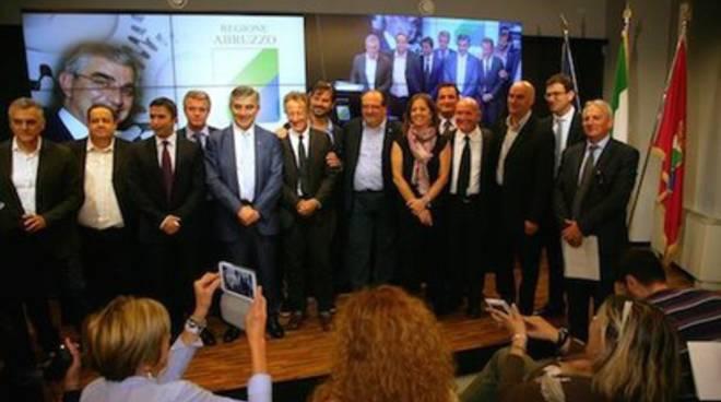 Ciclo integrato dei rifiuti urbani in Abruzzo, si cercano commissari ad acta