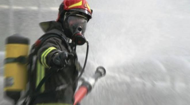 Incendi in Abruzzo, 180 'spegnitori' in campo