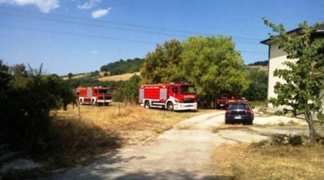 Incendio a Basciano, anche il sindaco fra i soccorritori