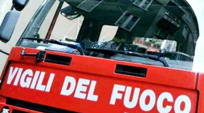 Porta cucina 'capricciosa', vigili del fuoco all'ospedale di Pescina