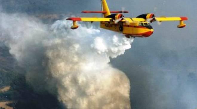 Rogo sui Monti della Laga, 10 ettari in fiamme