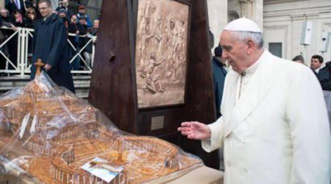 Papa Francesco fan #1 della Croccante di Forme