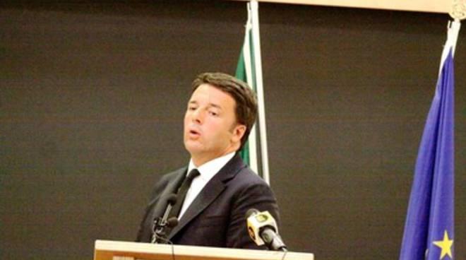 Renzi a L'Aquila: «I soldi ci sono»