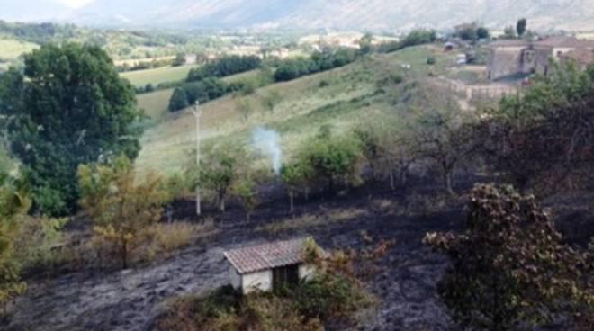 Rogo a Colle San Giacomo, la Marsica continua a bruciare