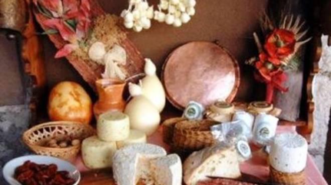 Souvenir dalle vacanze? Italiani risparmiano con i prodotti tipici