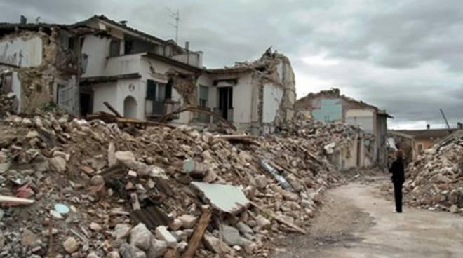 Terremoto: tasse sospese da restituire, L'Aquila resiste