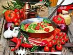 Vacanze in Italia: resistono grazie al cibo