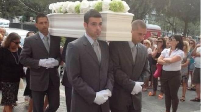 Bimbo ucciso nel sonno, «Il padre non è più pericoloso»
