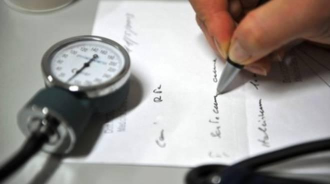 Falsi certificati medici all'Aquila, madre e figlio nei guai