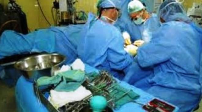 L'Aquila: Neurochirurgia nell'ĕlite mondiale