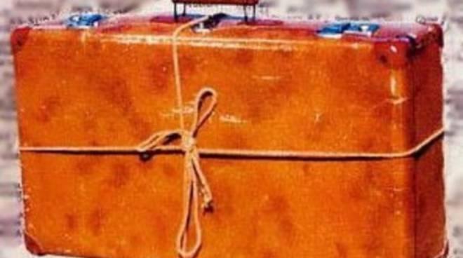 Lavoro, i giovani e la nuova 'valigia di cartone'