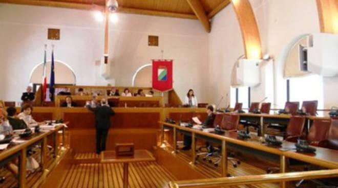 Legge-bavaglio in Abruzzo: il M5S diserta