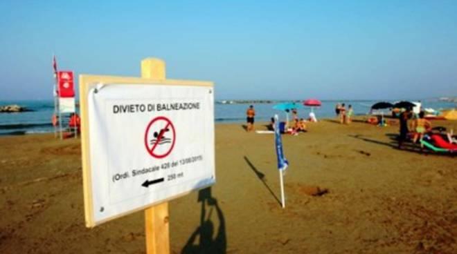 Mare horror a Pescara: «Alla gogna la Giunta Chiodi»