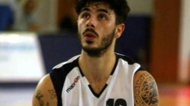 Nuovo Basket Aquilano, Lorenzo Carosi torna a casa