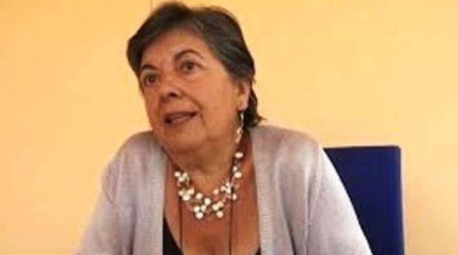 Precarie a L'Aquila, la versione di Betty Leone