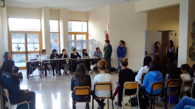 Arcigay L'Aquila a scuola