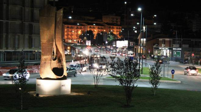 L'Aquila: rotatorie by night