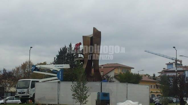 Lavori scultura piazza D'Armi
