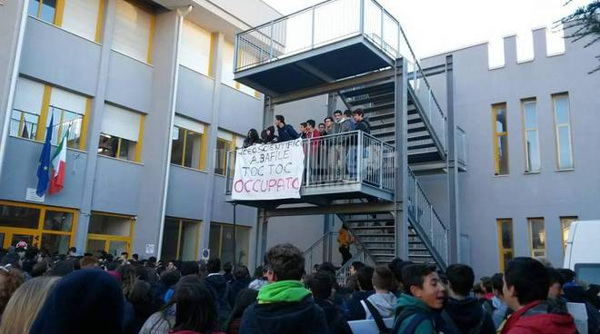 scuola, occupazione contro riforma renzi