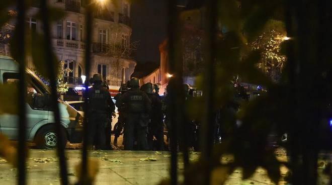 Attacchi Parigi