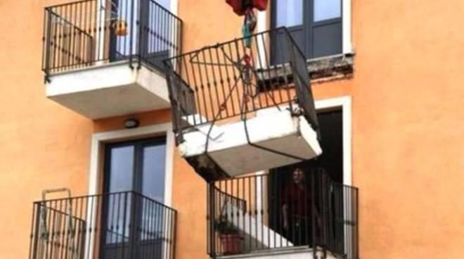 Crollo balcone C.a.s.e