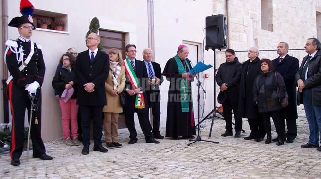 Inaugurazione monumento Onna