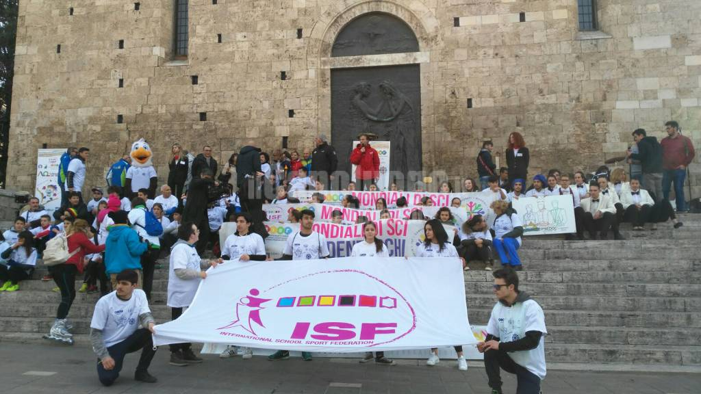 TORCH RUN e mondiali studenteschi di sci