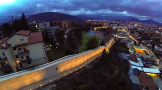 L'Aquila, a Capodanno si illuminano le mura