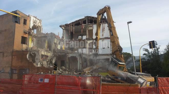 demolizione palazzo giammaria