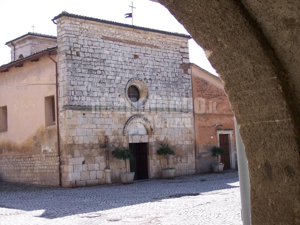 Onna chiesa san pietro apostolo