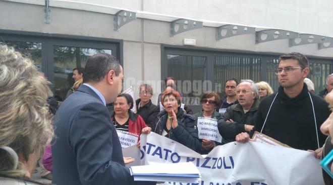 Pizzoli, la rabbia dei risparmiatori di Banca Etruria