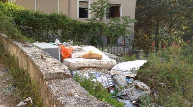 via cola dell'amatrice discarica