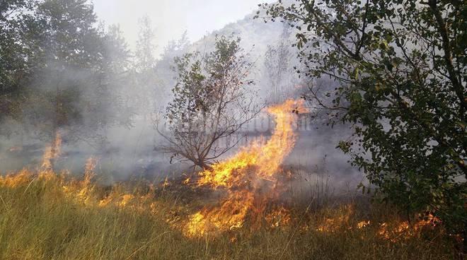 incendio borgo incile