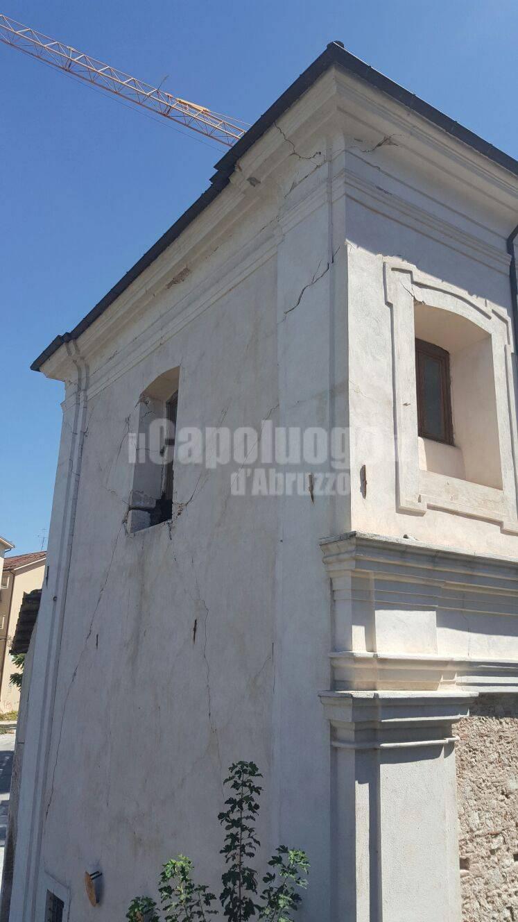 Chiesa Santa Croce - porta barete: danni da terremoto amatrice