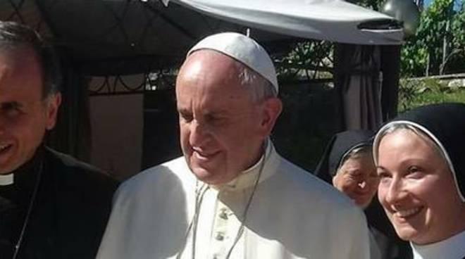Papa Francesco, visita a sorpresa in Abruzzo