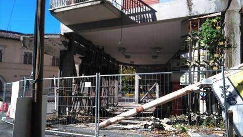 danni l'aquila 30 ottobre: palazzo benzinaio, via XX settembre