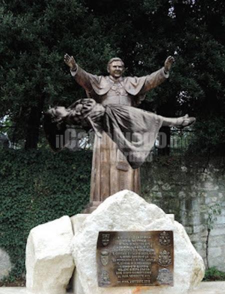 statua ratzinger sulmona