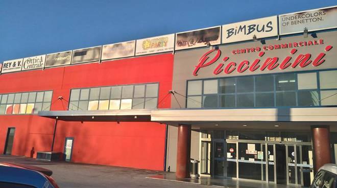 centro commerciale quattro cantoni piccinini